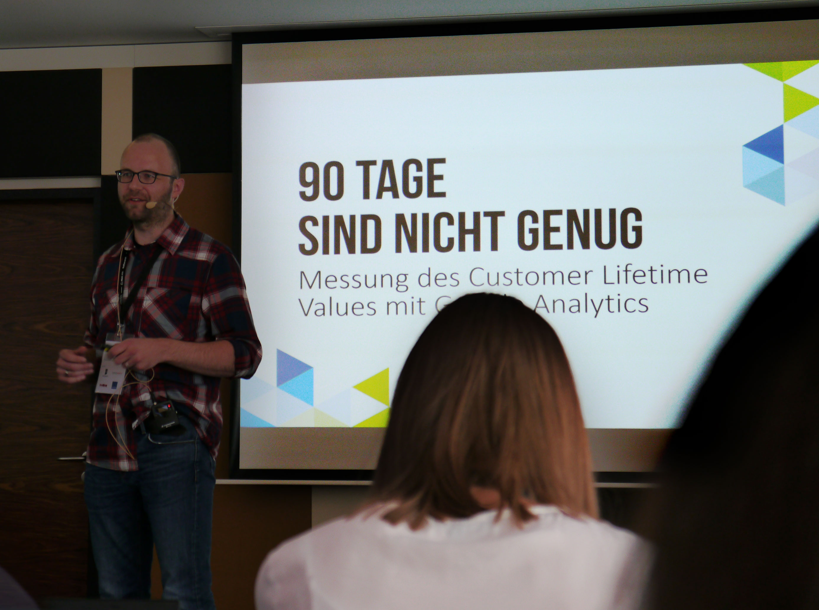 Christian Ebernickel vor seiner Präsentation zum Customer Lifetime Value